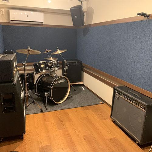 福岡のレンタル音楽スタジオ「クロスタ」へようこそ。