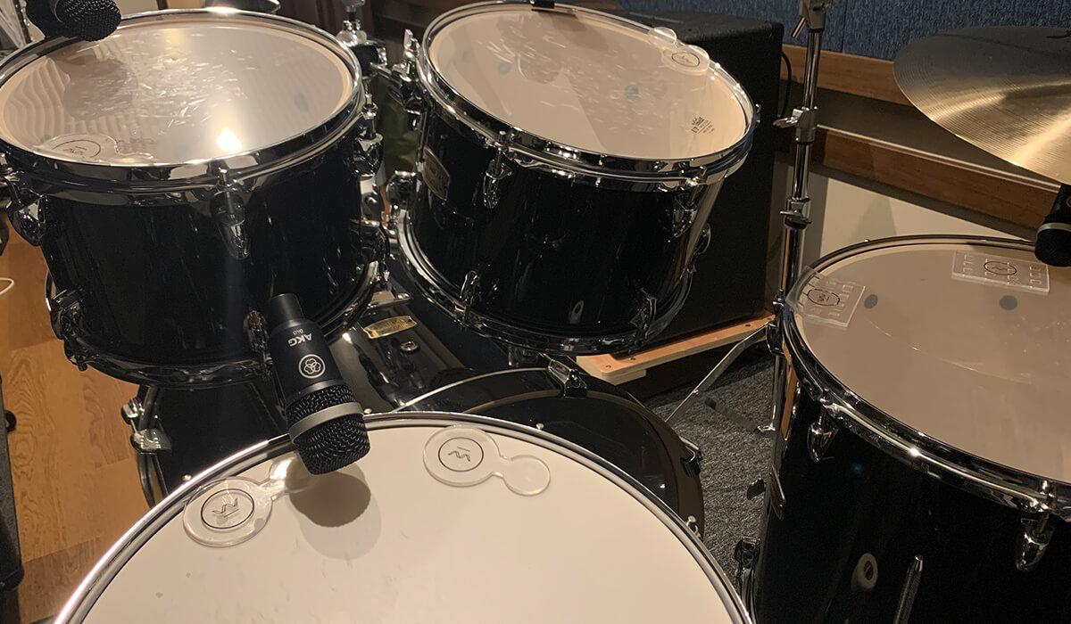 福岡市薬院の防音音楽スタジオ「クロスタ」格安バンド練習用ドラムセット
